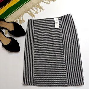 Loft NWT Pull On Stretchy Pencil Skirt Striped
